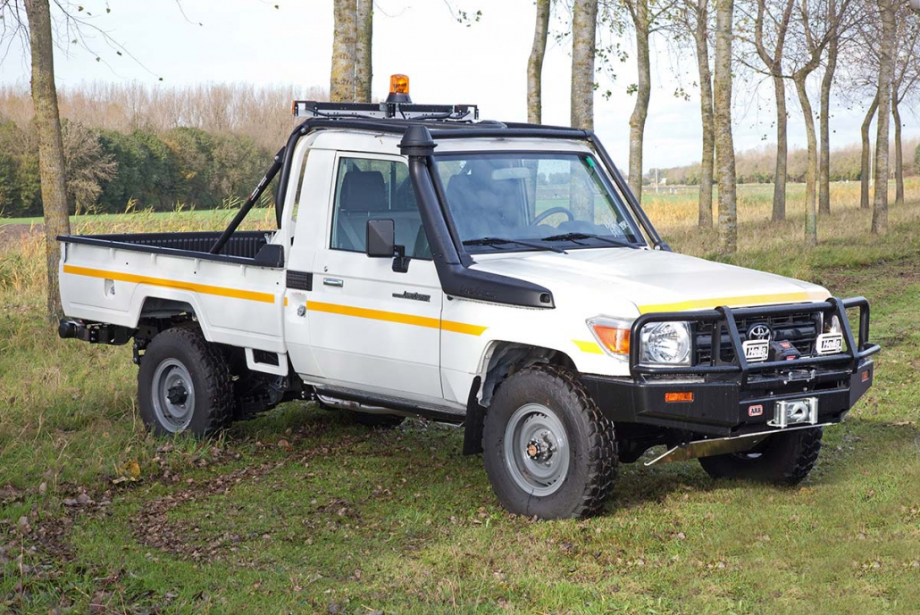 Toyota-Landcruider-Pickup-Mining