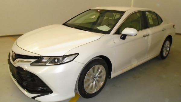 Toyota Camry 2.5L Saloon (petrol)