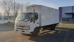 Hino 300 4.0L TurboDiesel 4x2 Chassis Cabin