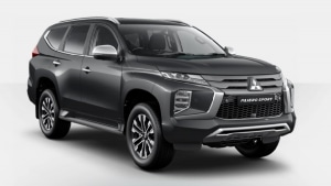 Mitsubishi Pajero Sport 2.5L 4WD SUV A/T (petrol)